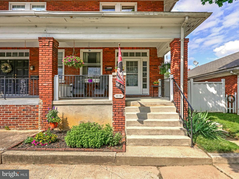 Single Family for Sale at 615 N Hawthorne Street York, Pennsylvania 17404 United States
