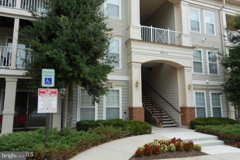 Single Family for Rent at FOUNTAIN HILLS C, 18711 Sparkling Water Drive Germantown, Maryland 20874 United States