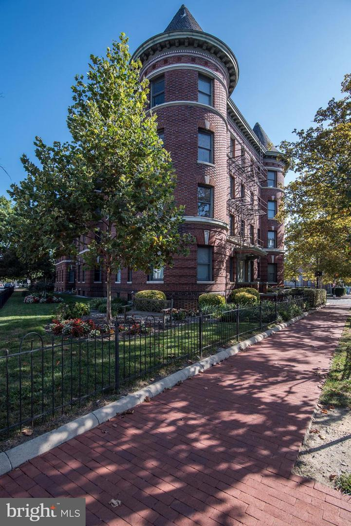 Condo / Townhouse for Sale at LEUMASS, 1201 Q Street NW Washington, District Of Columbia 20009 United States