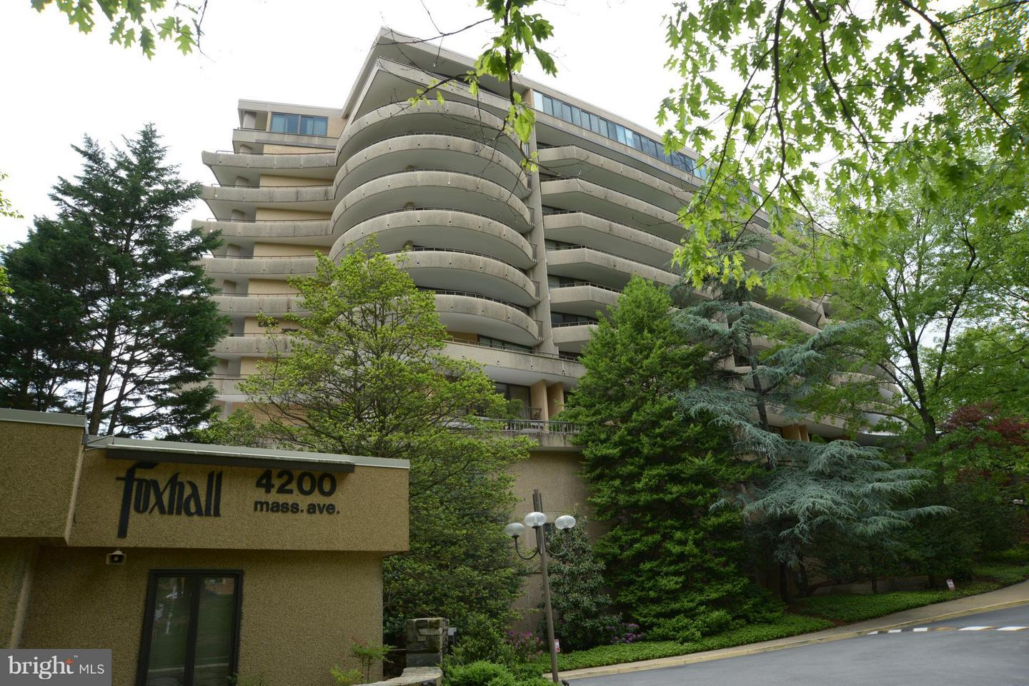 Condo / Townhouse for Sale at WESLEY HEIGHTS, 4200 Massachusetts Avenue NW Washington, District Of Columbia 20016 United States