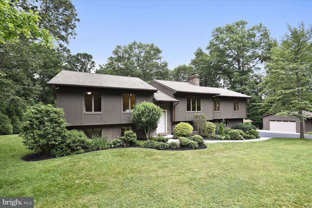 Single Family for Sale at 18 Lauriann Court Parkton, Maryland 21120 United States