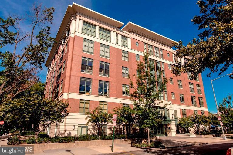 Condo / Townhouse for Sale at DUMBARTON PLACE, 1414 22nd Street NW Washington, District Of Columbia 20037 United States