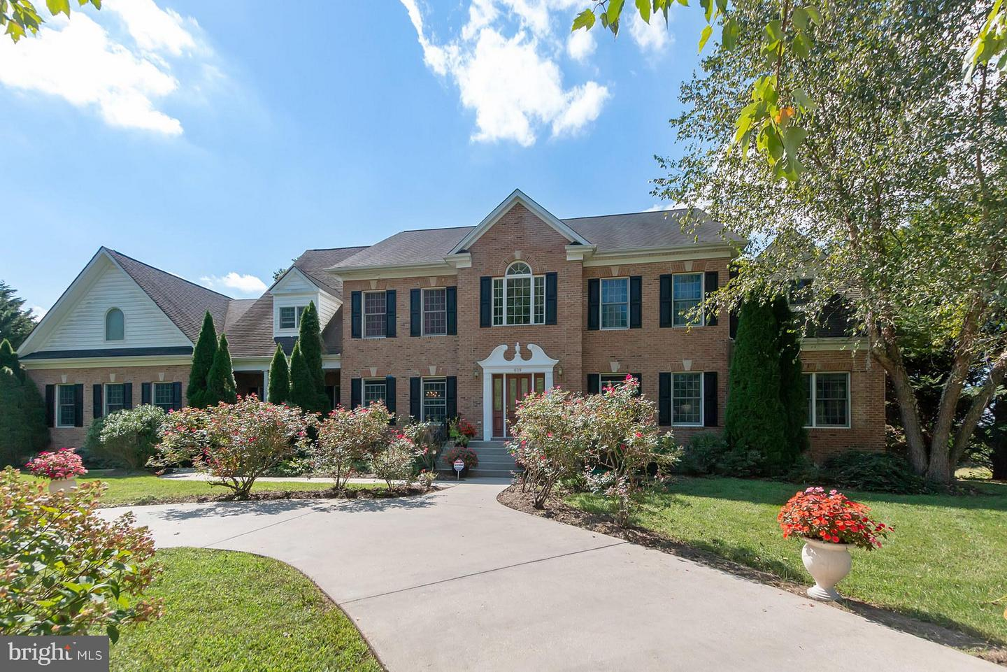 Single Family for Sale at OLD SOUTH COUNTRY CLUB S, 609 Traveller Court Lothian, Maryland 20711 United States