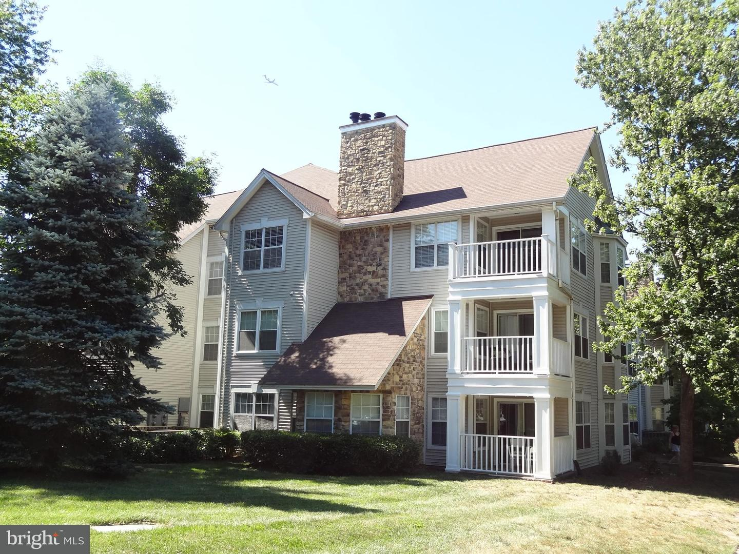 Single Family for Rent at WILLOUGHBYS RIDGE, 5612 Willoughby Newton Drive Centreville, Virginia 20120 United States