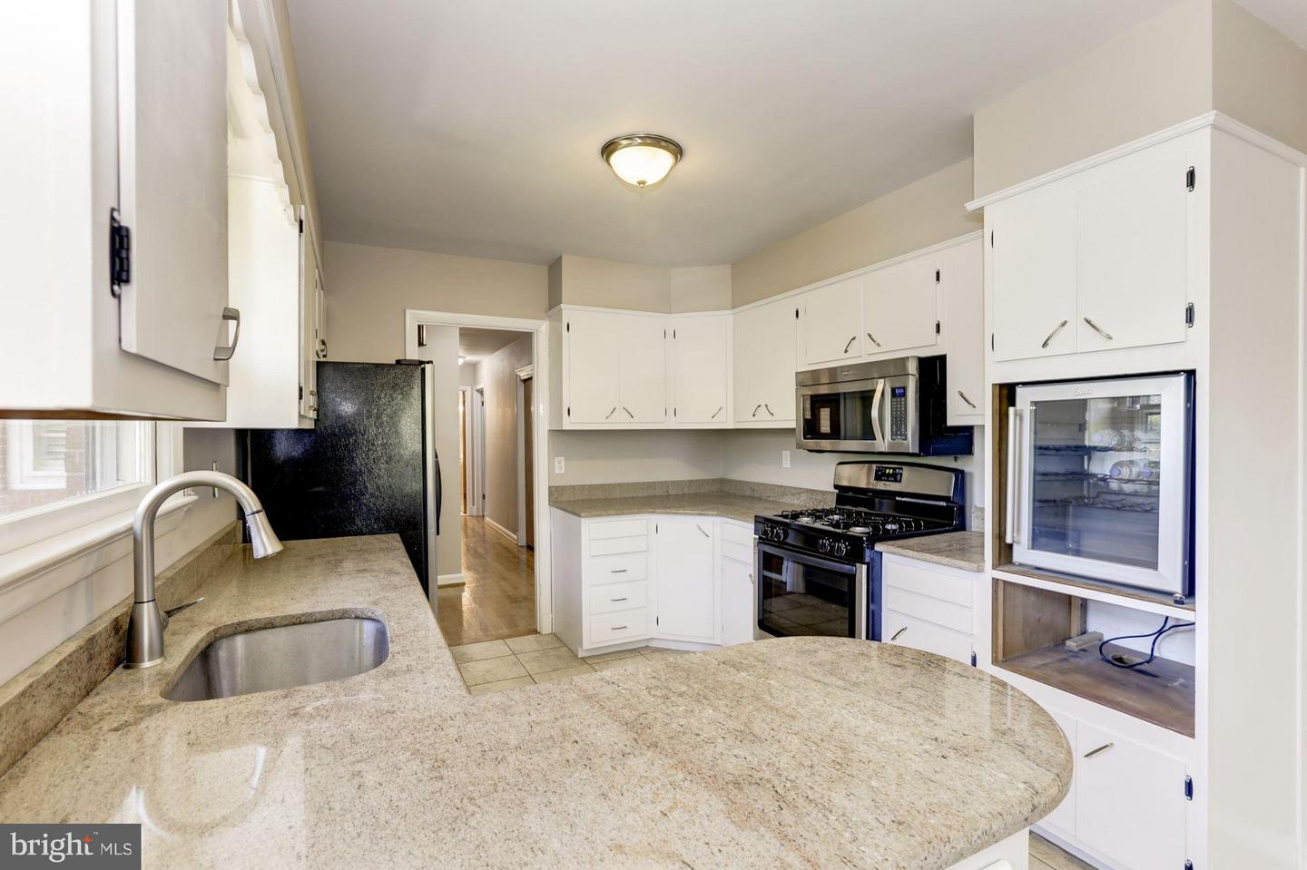 Other Residential for Sale at 111 Balmoral Drive E Oxon Hill, Maryland 20745 United States