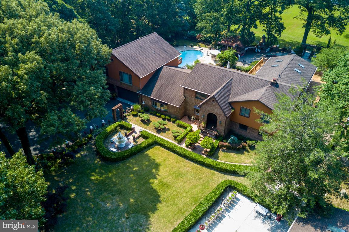 Other Residential for Sale at 7914 Lowtide Court Pasadena, Maryland 21122 United States