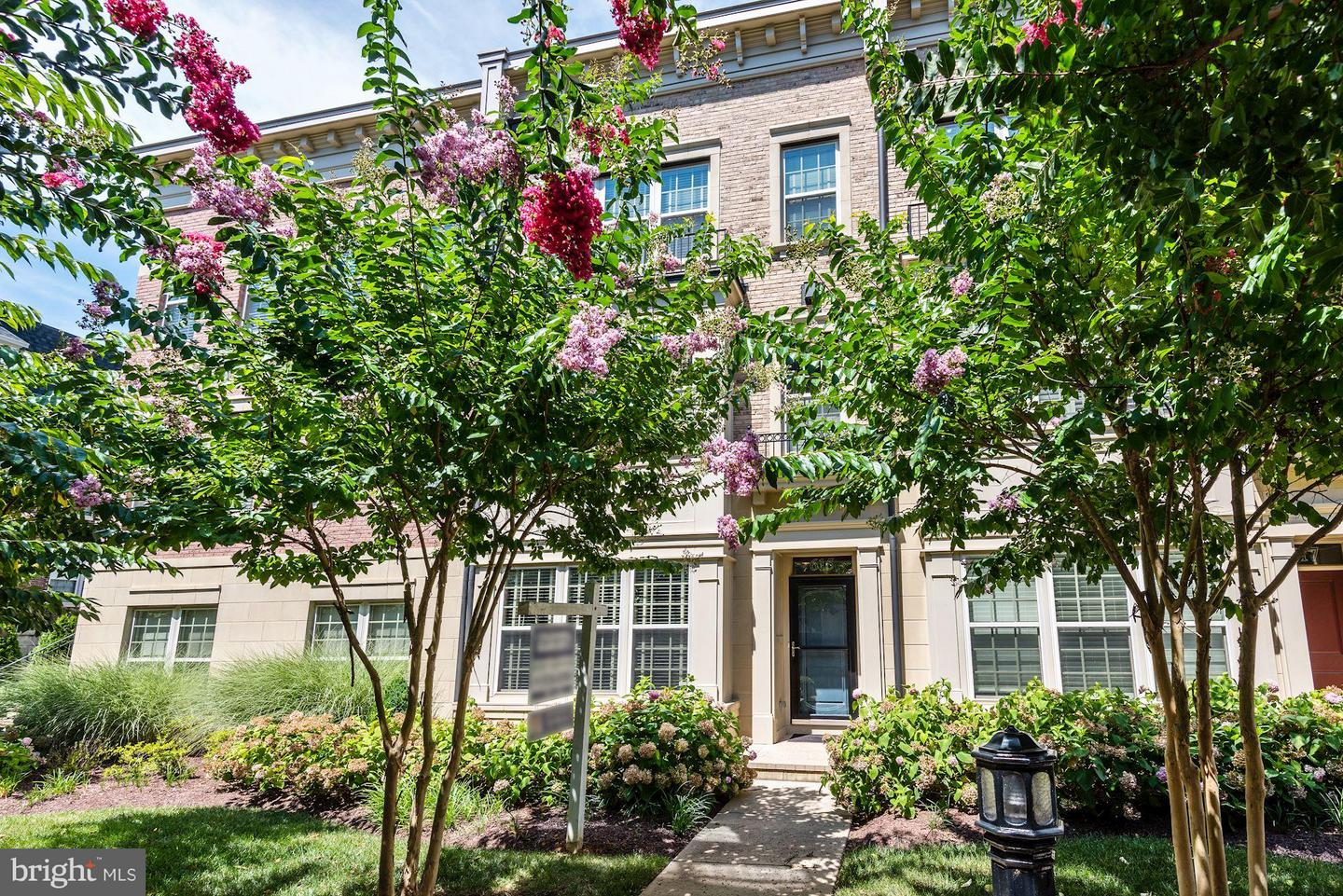 Other Residential for Sale at POTOMAC OVERLOOK, 615 Sprintsail Way Oxon Hill, Maryland 20745 United States