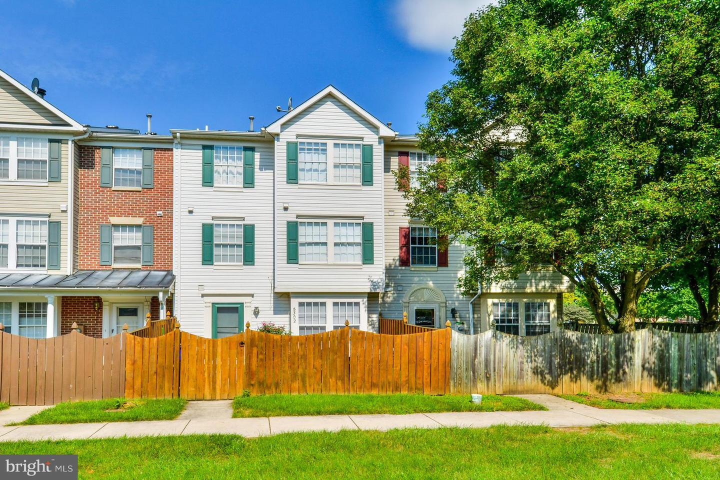 Condo / Townhouse for Rent at KINGSBROOK, 5302 Regal Court Frederick, Maryland 21703 United States