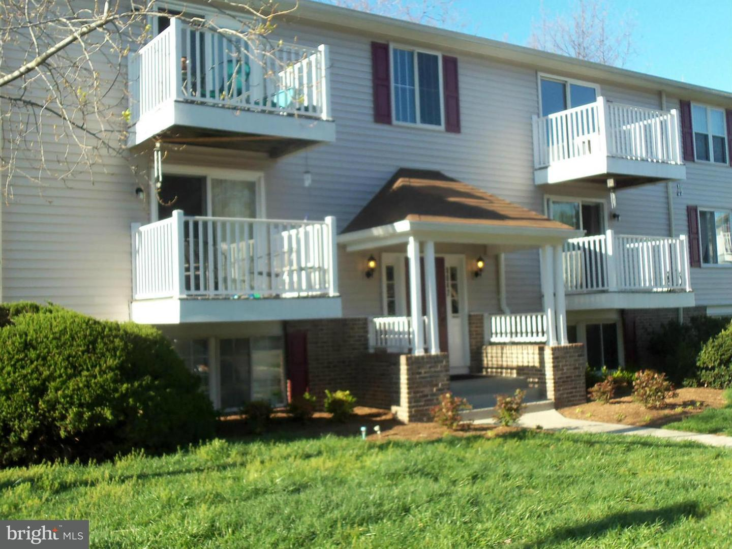 Single Family for Rent at CHESTERFIELD, 8042 Abbey Court Pasadena, Maryland 21122 United States