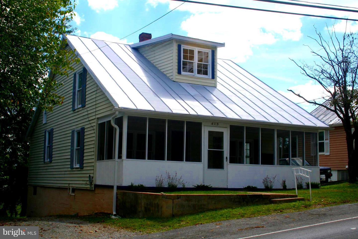Other Residential for Sale at 413 Mechanic Street Luray, Virginia 22835 United States