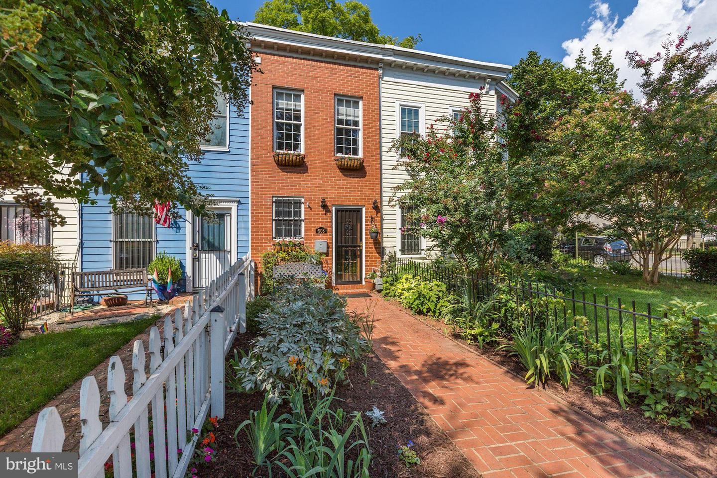 Condo / Townhouse for Sale at 903 12th Street SE Washington, District Of Columbia 20003 United States