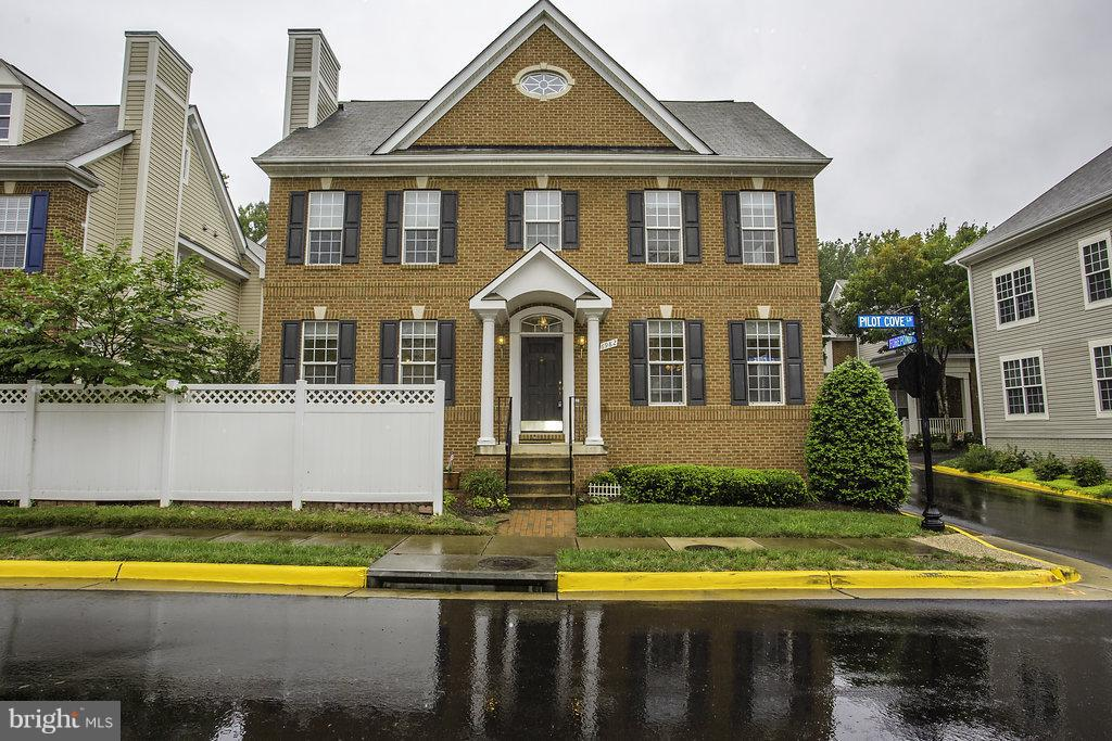 Single Family for Sale at 6982 Forepond Court Other Areas, Virginia 22060 United States