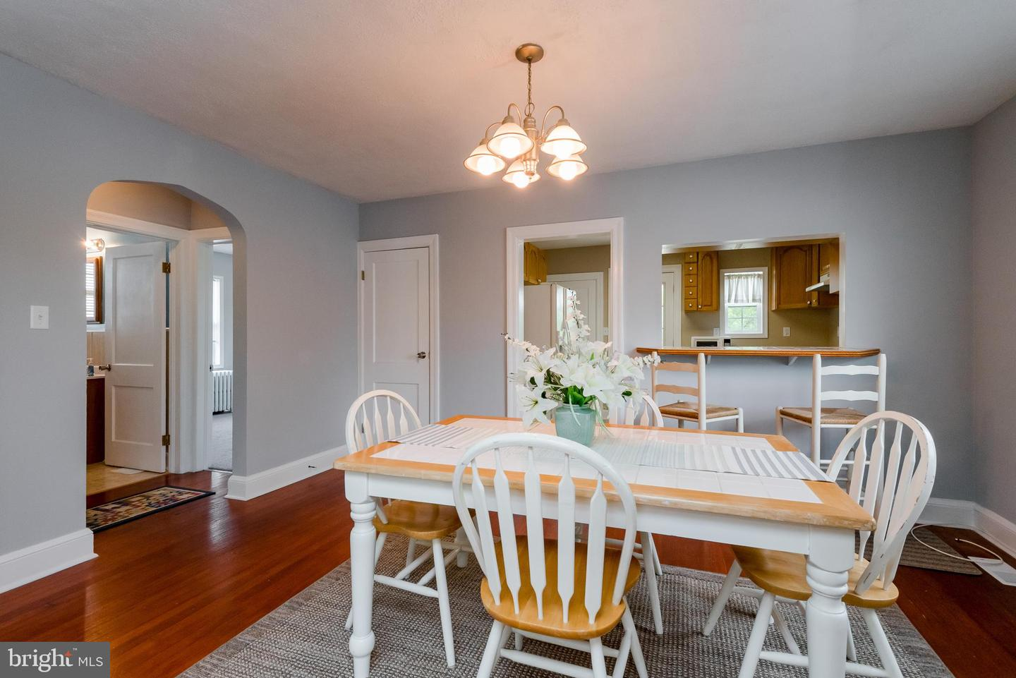 Additional photo for property listing at 803 S Camp Meade Road Linthicum, Maryland 21090 United States