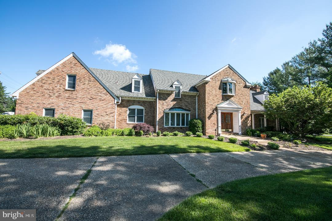 other residential homes for Sale at 10600 River Oaks Lane Potomac, Maryland 20854 United States
