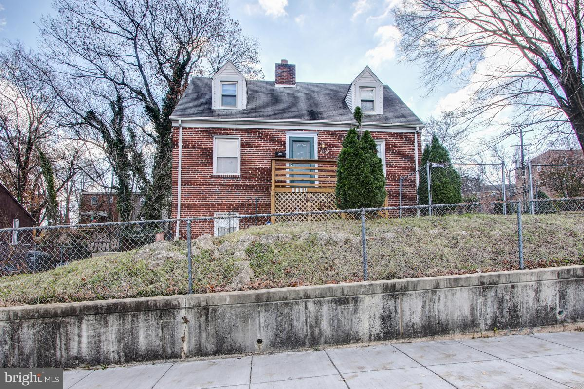 Other Residential for Sale at 5001 Southern Avenue Capitol Heights, Maryland 20743 United States