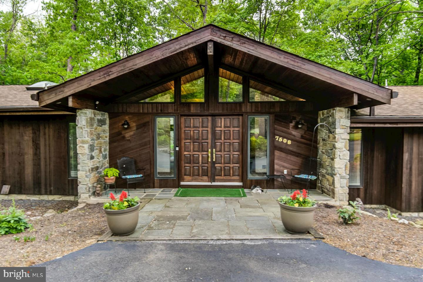 other residential homes for Sale at 7508 Morwood Trail 7508 Morwood Trail Clifton, Virginia 20124 United States
