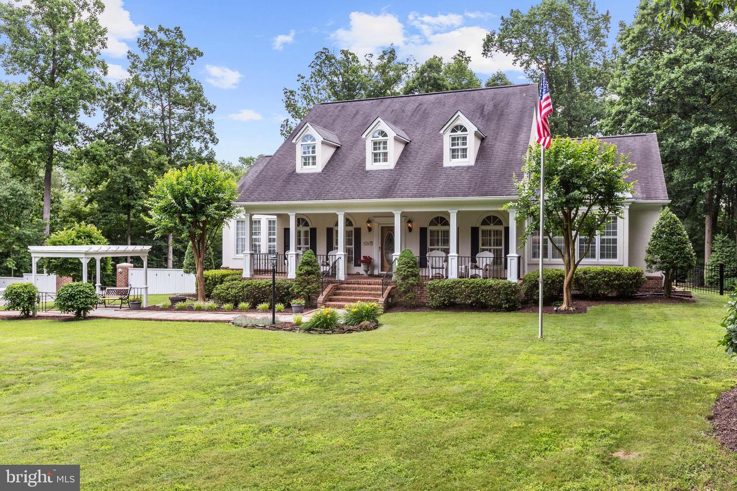 other residential homes for Sale at 5417 Summit Street 5417 Summit Street Centreville, Virginia 20120 United States