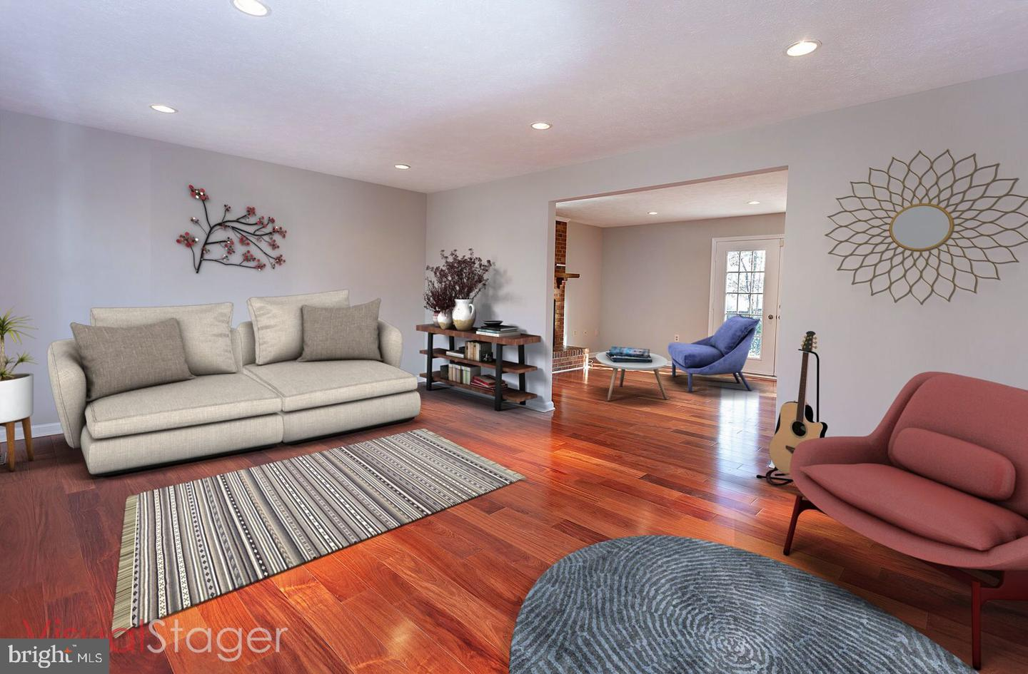 Additional photo for property listing at 907 Barker Hill Road 907 Barker Hill Road Herndon, Virginia 20170 United States