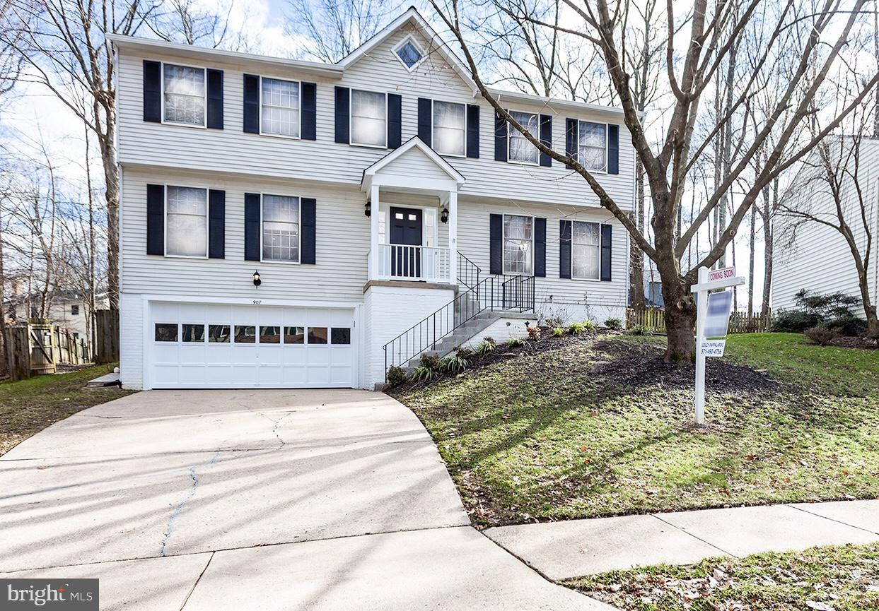 Other Residential for Sale at 907 Barker Hill Road 907 Barker Hill Road Herndon, Virginia 20170 United States