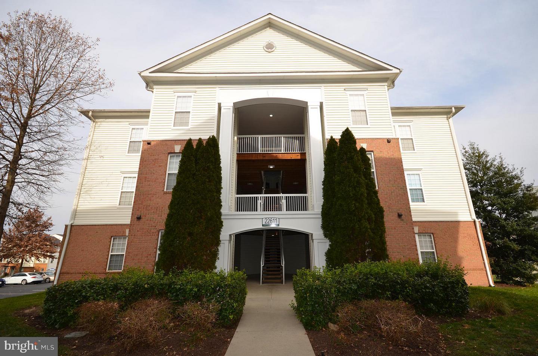 Other Residential for Sale at SUMMERFIELD, 22611 Blue Elder Terrace Brambleton, Virginia 20148 United States