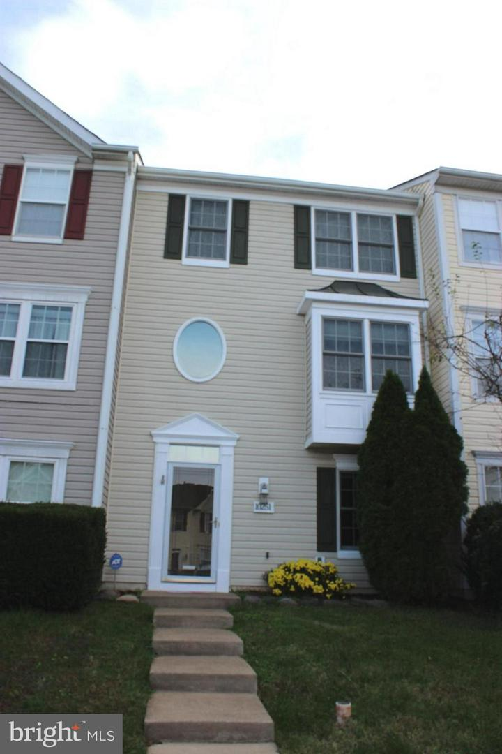 Other Residential for Rent at 10251 Magnolia Grove Drive Manassas, Virginia 20110 United States
